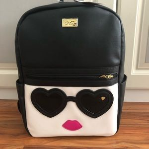 ❤️Betsy Johnson Heart Sunglasses Lips Backpack❤️